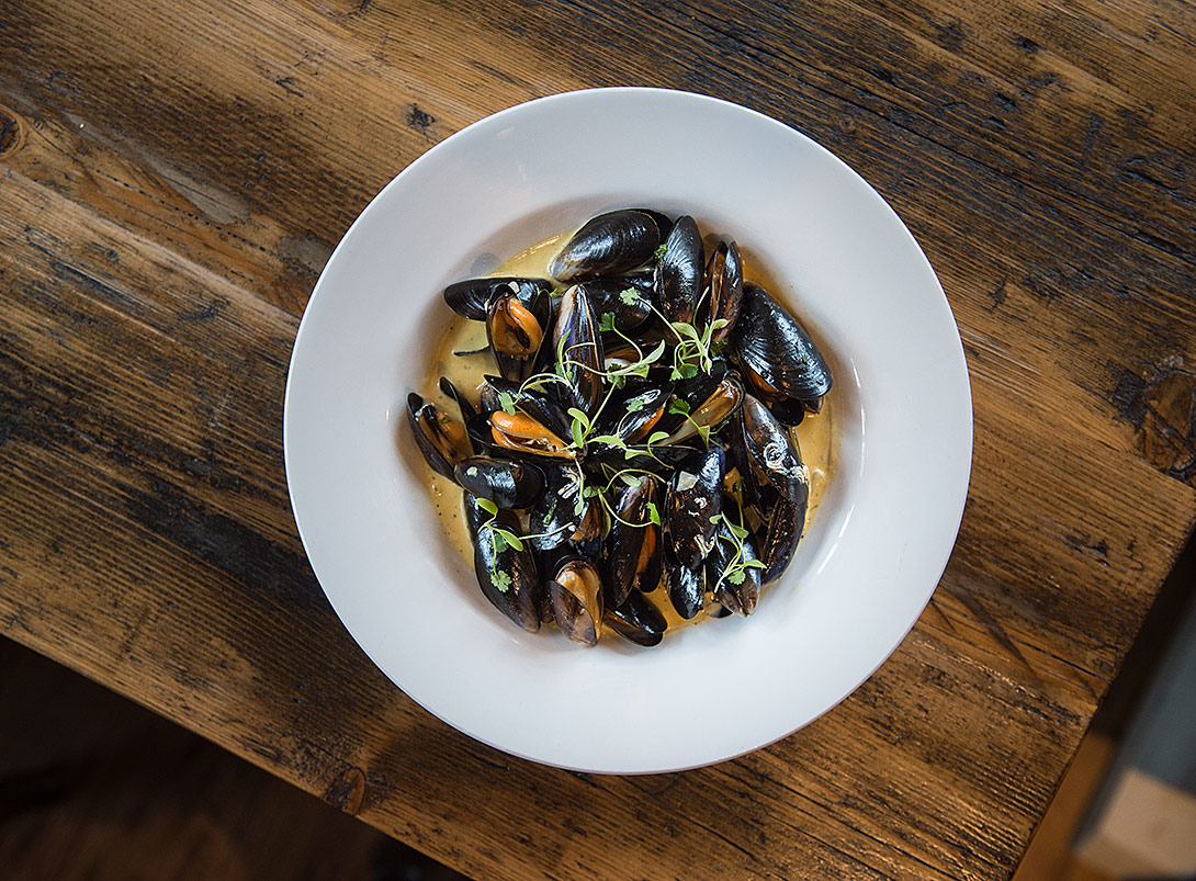 mussels,plate,food-photography,restaurant,