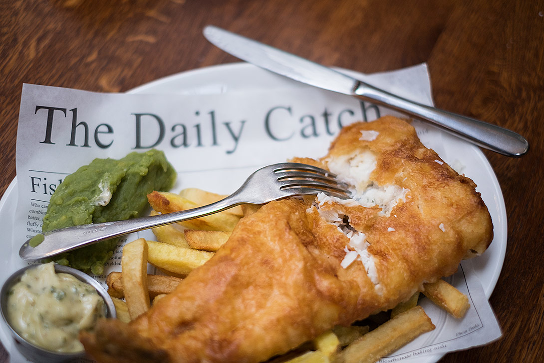 daily-catch,fish-and-chips,pub-food