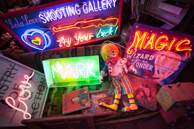 neon,clown,gods-own-junk-yard,shooting-gallery,neon-sign